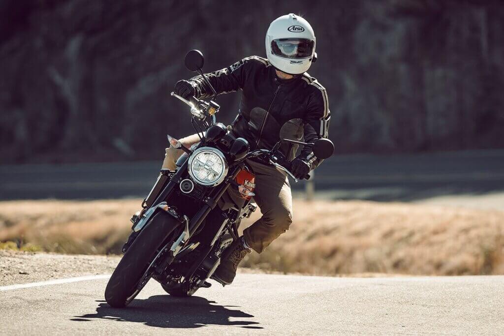 Nón bảo hiểm moto